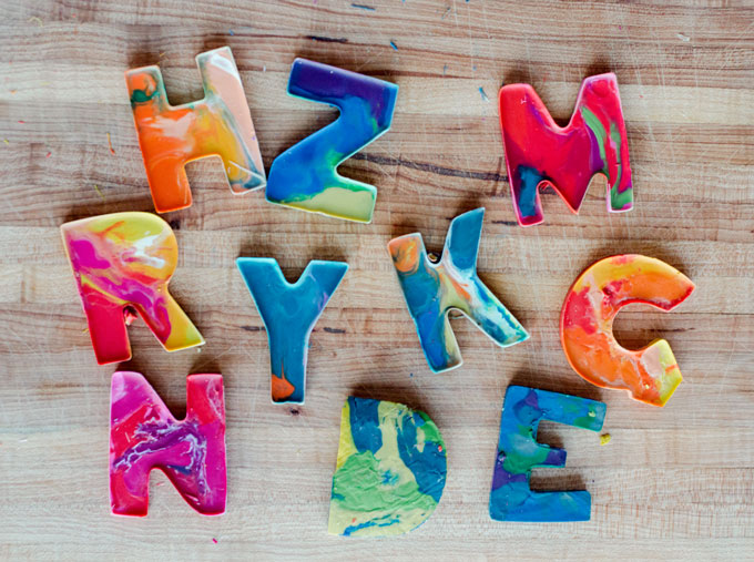 DIY letter crayons, cookie cutter crayons, letter crayons, melting crayons, children's craft day, oh yay studio