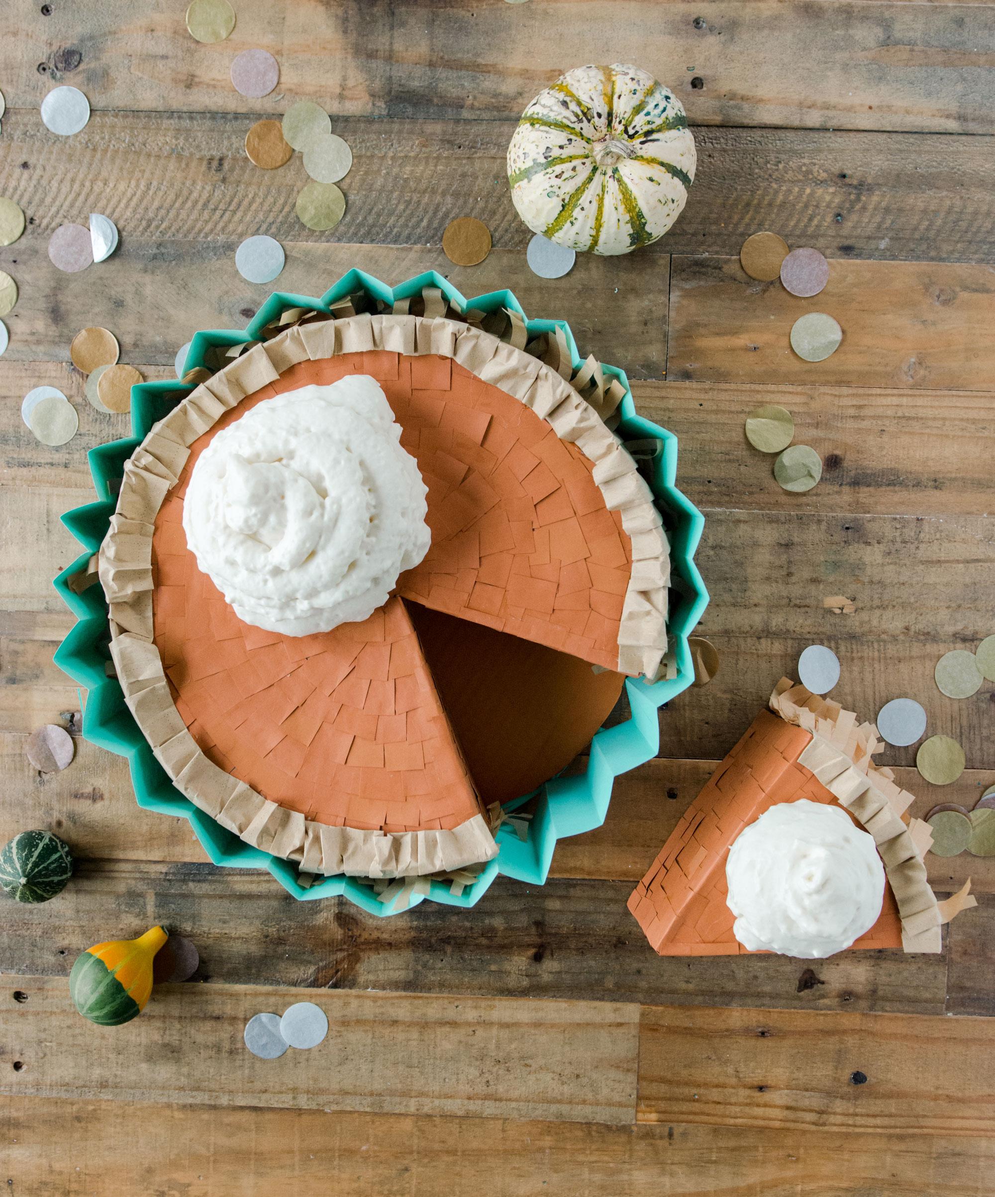 Pumpkin pie pinata, How to make a pumpkin pie pinata, Thanksgiving pinata, Thanksgiving party ideas, Friendsgiving pinata, Thanksgiving pie, Friendsgiving pie ideas, how to make a pinata, Pinata pie DIY
