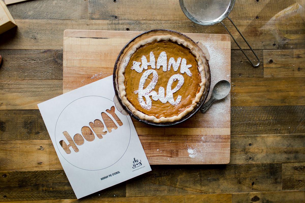 Thanksgiving pie stencil, Thanksgiving pie ideas, Easy thanksgiving pie recipe, Pumpkin pie idea, DIY pie stencil, DIY pie thanksgiving, DIY holiday idea