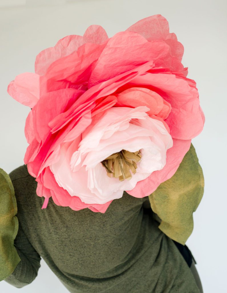 peony halloween costume, DIY peony costume, DIY peony paper flower, DIY peony flower, DIY paper halloween costume, Easy DIY paper flower, Easy DIY paper peony