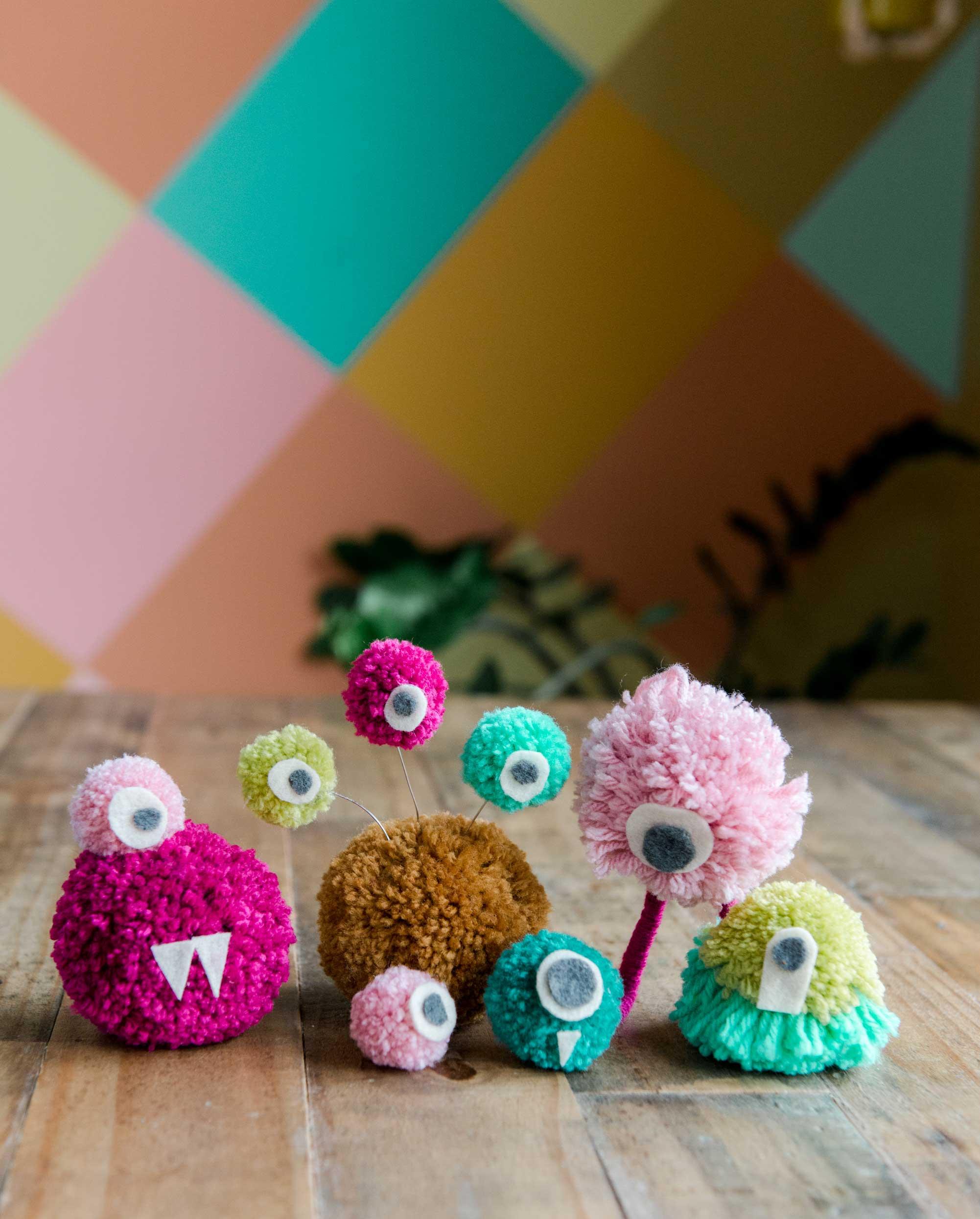 how to make a perfect yarn pom pom, pom pom monsters, how to make a pom pom monster, crafting through corona, kids craft ideas, kids crafting, kids rainy day activities