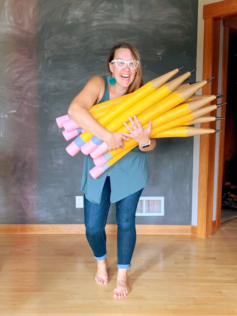 How To Make Giant Pencils Out Of Dollar Store Pool Noodles