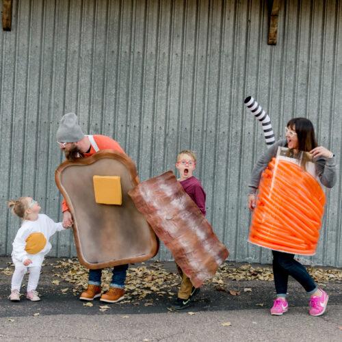 Brunch Halloween costume DiY, how to make brunch costumes, bacon costume, egg costume, toast costume, juice costume DIY
