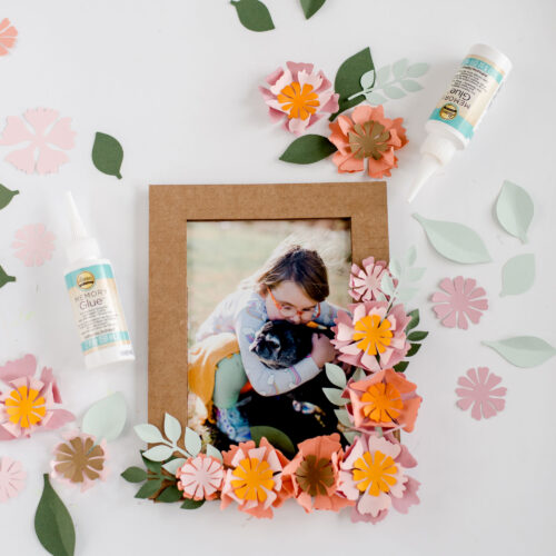 how to make paper flowers, paper flower SVG file, paper flower frame, recycled paper flower frame DIY, paper DIY frame, paper flowers, Aleenes memory glue, Aleenes glue