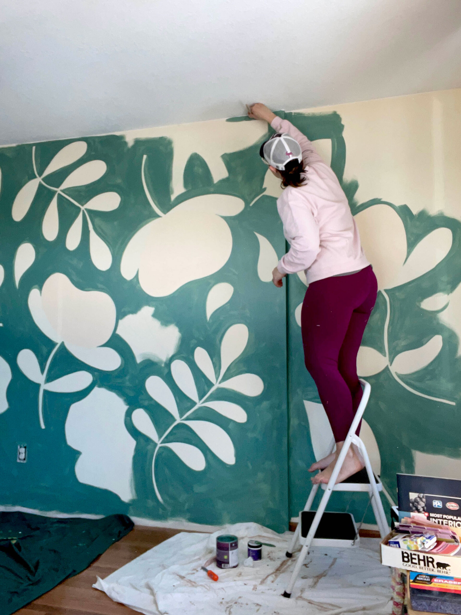 Floral wall mural, How to paint a floral mural, Playroom mural, Playroom floral mural, Floral mural how to, Home mural tips, Mural DIY